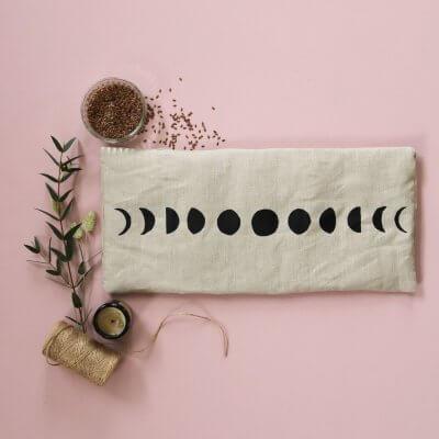 Bouillotte-sèche-en-graines-de-lin-lunes-cycle-lunaire-5